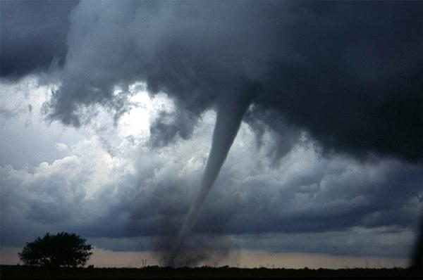 tornado-572
