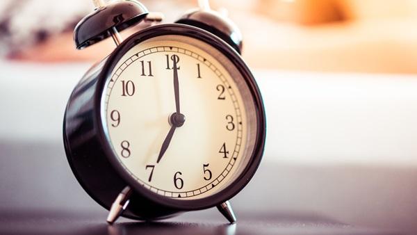 600- vintage-alarm-clock
